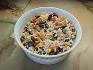 _салат с фасолью и кукурузой