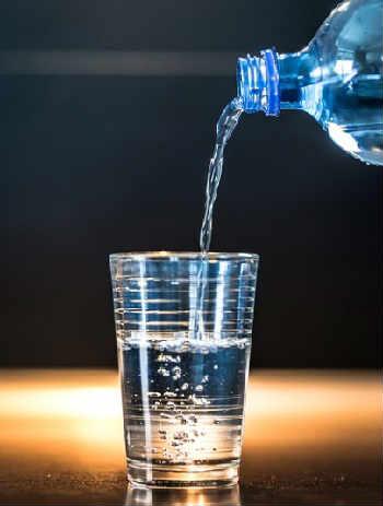 Как повысить иммунитет взрослому человеку_вода
