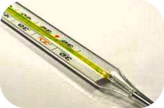 Как снизить температуру народными средствами_термометр