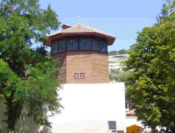 Ханский дворец в Бахчисарае_Соколиная башня