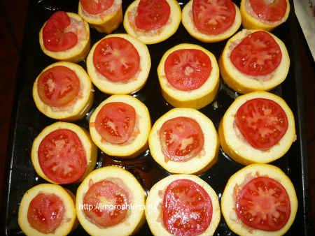 Рецепт фаршированных кабачков с фаршем в духовке_нарезать помидоры