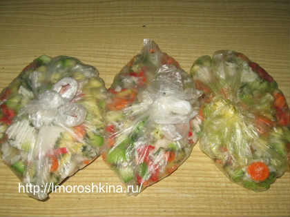 Заморозка кабачков на зиму_укладываем в морозильную камеру