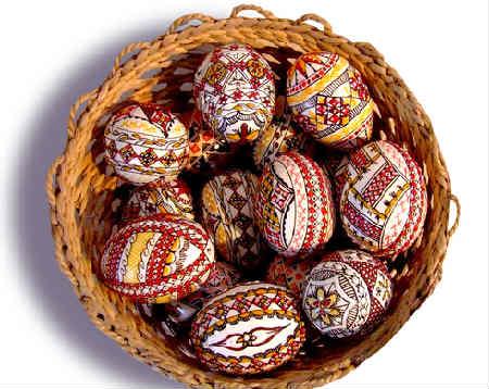 Как покрасить и украсить яйца на Пасху своими руками фото_писанки