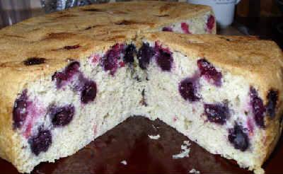 Выпечка с черникой рецепты с фото_бисквитный пирог с черникой замороженной в мультиварке