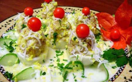 Фаршированные яйца 25 вариантов начинки с фото_в соусе Баскэз