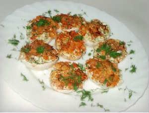 Фаршированные яйца 25 вариантов начинки с фото_с беконом
