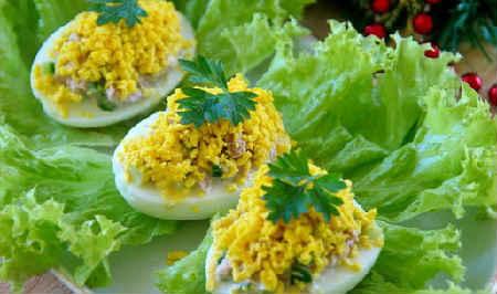 Фаршированные яйца 25 вариантов начинки с фото_с тунцом, огурцом