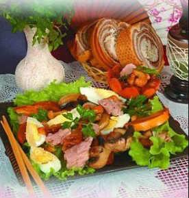 Что можно приготовить из хурмы_салат с мясом индейки