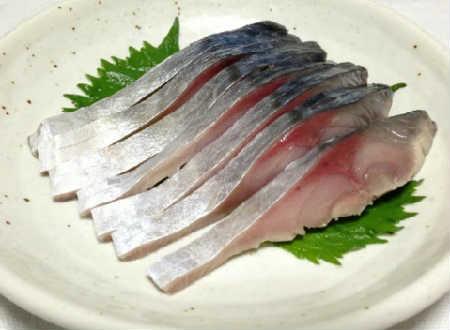 скумбрия соленая в домашних условиях очень вкусная в рассоле кусочками