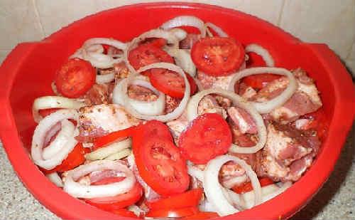 _мариновка шашлыка из свинины в томате