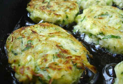 Рецепты пышных оладий из кабачков с фото