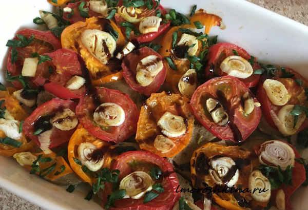 Baklazhany zapechennye v duhovke s pomidorami9