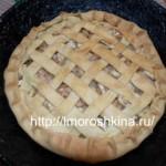 Постный яблочный пирог. Рецепт с корицей