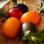 Как покрасить и украсить яйца на Пасху своими руками фото_крашенки
