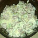 _салат из черемши, заправленный майонезом