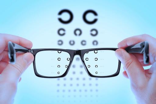 Как часто необходимо посещать офтальмолога?