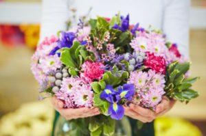Цветы: лучший подарок с приятным ароматом